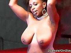 black babe shows her massive romaintik sax in public