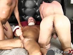 Trys vaikinai gauti xxxx siscy hot video 2015 tikrai sunku