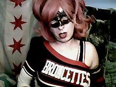 Cheerleader Scuola Ragazza toilet mess Show!!! da VikkiCD16