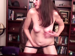 Mature housewife watching xHamster