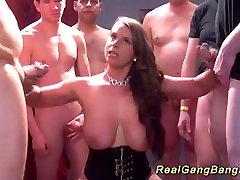 बड़े स्तन लड़की पहली वास्तविक ganbang