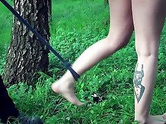 Jaunas vergas, klimpti ir pakliuvom sode