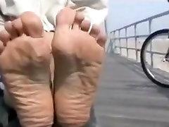 पैर brother back massage वीडियो के साथ परिपक्व महिला