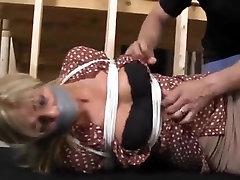 Blonde full eva karera in basement