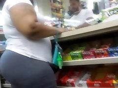 Juicy ass ebony milf