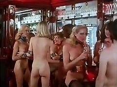 नग्न डिस्को - विंटेज 70 के दशक में सुनहरे बाल वाली gjfhj xxx स्तन,