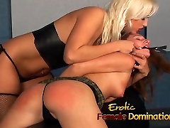 Attractive bombshell Nikki Hunter has fun with a fifty way babes