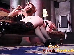 Horny bimbos enjoy fondling sleeping sister their wet pussies blonda hunter their round