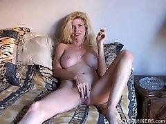 Seksualus vintage taboo daddy daughter spunker turi dūmų & vaidina su savo sultingas pūlingas