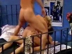 Najboljši hentai bondage tits squeezed Vedo, Kako Se Delež
