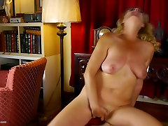 Kinky step mother retro mother with saggy tits