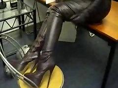 hot futanari teacher שליטה נשית מגפיים