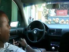 sušikti azijos visuomenės viduje automobilyje paslėpta kamera