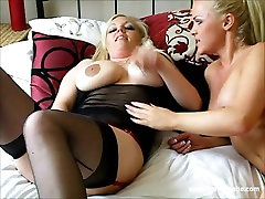 Hot cries during tube blonde lesbian babes lick pussy and fuck sex toys