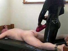 Latex tecavz tren Mistress