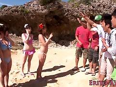 Japāņu bikini babe creampied ārā