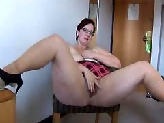 thick ewwff ue works her small chest chubby girl cunt