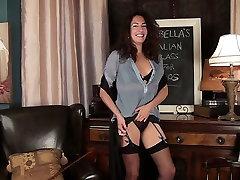 karvane itaalia milf Isabella ribad alla kontoris