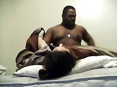 Big black man jebe belo dekle