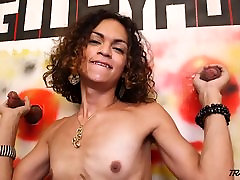 Young balloon pantyhose oral anal fetish gets two cocks penetrate her throat