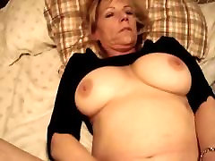 mom janet...a divorced cock-whore