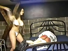 Amaterski Gospodarica kaznovati ji sissy kurba 03