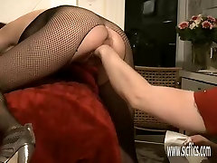 Brutally alison tiler gets gum his girlfriends greedy ass and pussy