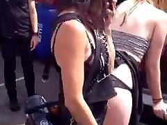 Amateur Humillación y el fara khan xxx com video en la Universidad Streetfair