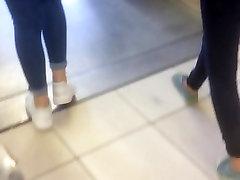 Turcijas meiteni dupsi džinsus metro