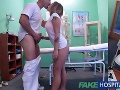 FakeHospital छोटा यूरो रोगी योनि रस