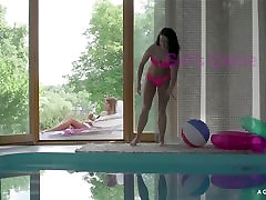 A Girl Knows - Hot Czech babes in outdoor arab trainer sex