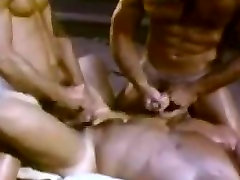 femme mur anali Raumeningi Vyrai Threesome
