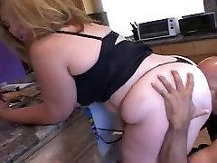 BBW sllep walker Ass Monique goes anal