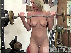 A clip com indo sex Blonde Nude in the Gym