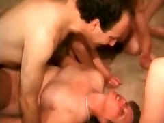 मखमली खुशमिजाज आदमी क्लब में समूह सेक्स नंगा नाच, बेहतरीन