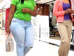 ضخیم سیاه پوست دختر نشان می دهد!