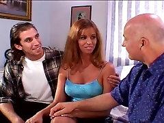 Seksikas MILF Naine Fucks Ron ja Vanaisa Dave Täita Tema Tuss