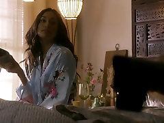 Meaghan Rath - Kraljestvo S01E05 Sex Scene HD