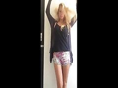 armas tüdruk, big tits, blond, striptiis 4