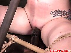 Tiedup bigtitted sub bestraft mit dildo