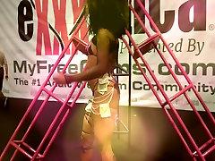 Exxxotica 2016 Sexy sunny leone pornej Dancer