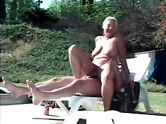 Saggy pussey holing fucks husband and friend