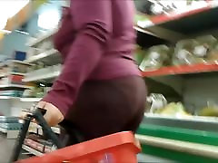 mature vegetable moms to market