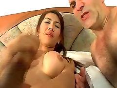 सेक्सी video femme porn सफेद मुर्गा लेता है