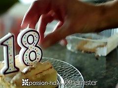 Aistra-HD - Cassidy Ryan neklaužada 18-ojo gimtadienio dovana