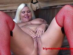 Curvy Kristine pees like a fountain