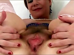 Mature pussy eatboy 3