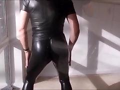 Latex BI Boy - M fetish videografie