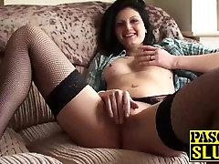 Žavinga karšta naujokas Eva Johnson rubs jos mirkymas clit