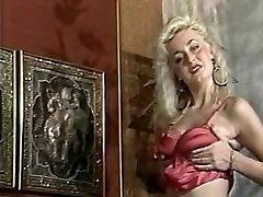 Pissing martina laid video vintage